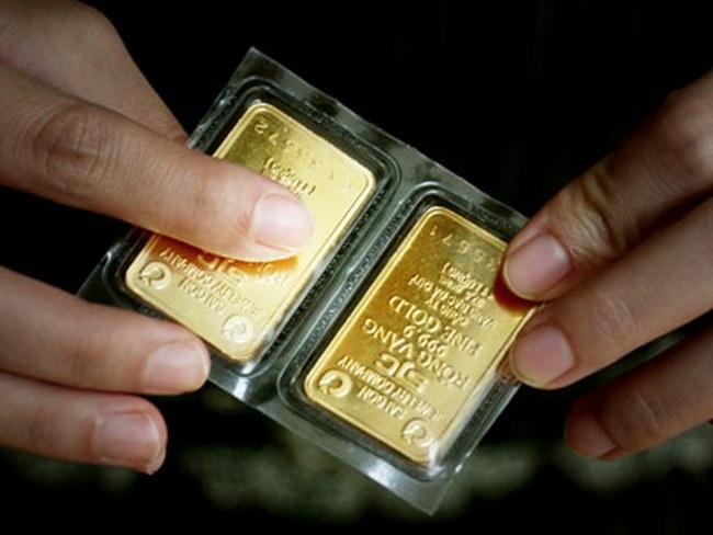 Giá vàng giảm, chênh lệch với thế giới ở mức 2,8 triệu đồng/lượng
