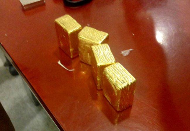 Đường đi của những ký vàng lậu trên máy bay Vietnam Airline