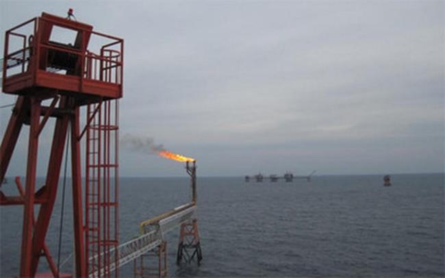 Vietsovpetro giảm lương lãnh đạo, giảm biên chế đối phó giá dầu giảm