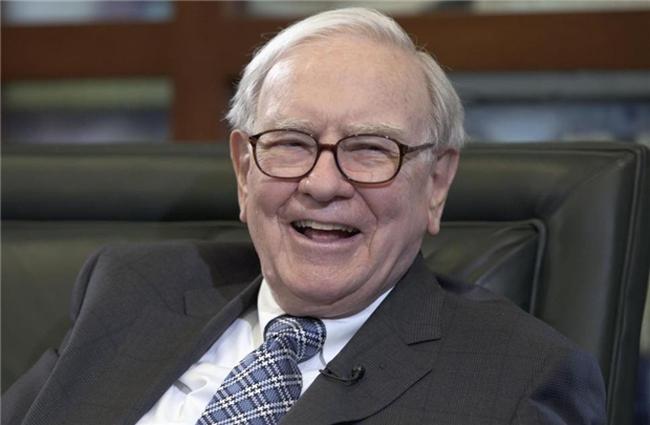 2 bài học từ bữa trưa với Warren Buffett