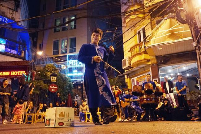 Hà Nội mơ về những đêm hội mỗi ngày như Singapore, Bangkok