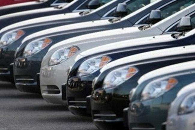 Giám sát chặt khai báo giá ô tô nhập khẩu biếu, tặng