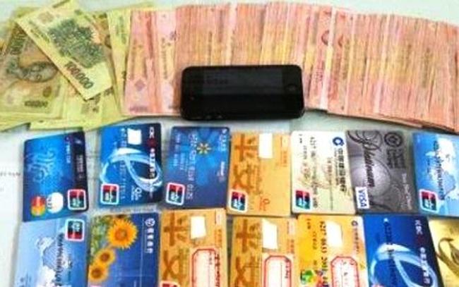 Xuất hiện nhóm người Trung Quốc nhập cảnh làm giả thẻ ngân hàng để chiếm đoạt