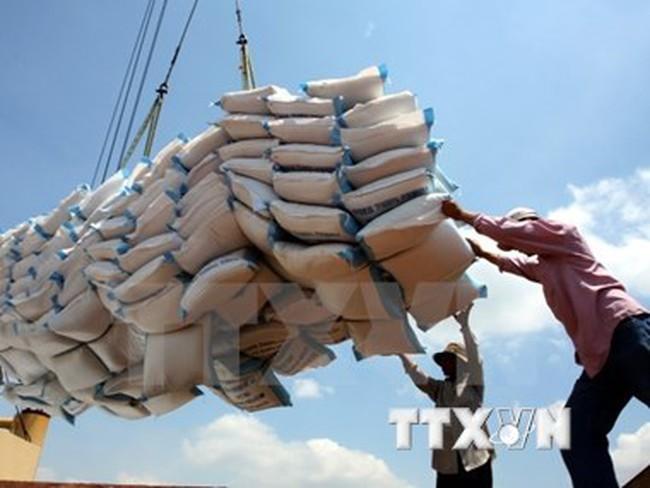 Trung Quốc bắt đầu nhập khẩu gạo của Lào từ tháng Một