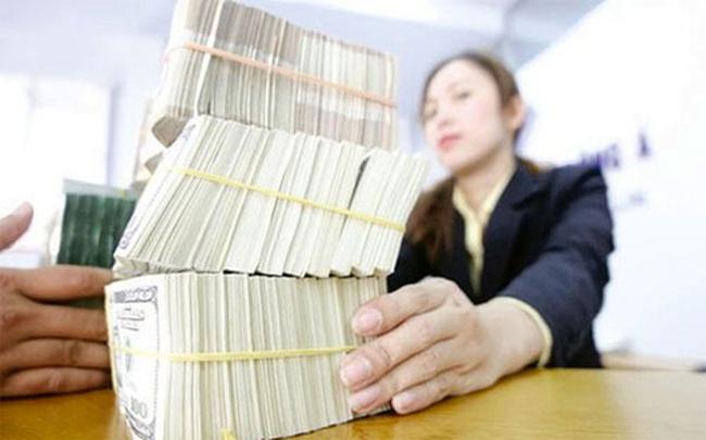 Bắt đầu thanh tra vượt trần lãi suất huy động USD