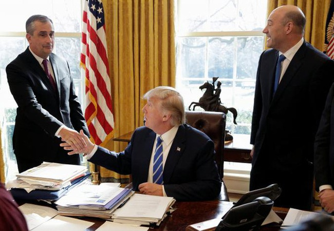 Trump khen ngợi sếp Intel vì mở nhà máy 7 tỷ USD ở Mỹ
