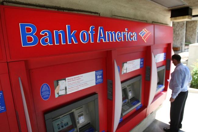 """Ba ngân hàng lớn nhất Mỹ """"kiếm đậm"""" nhờ phí ATM"""