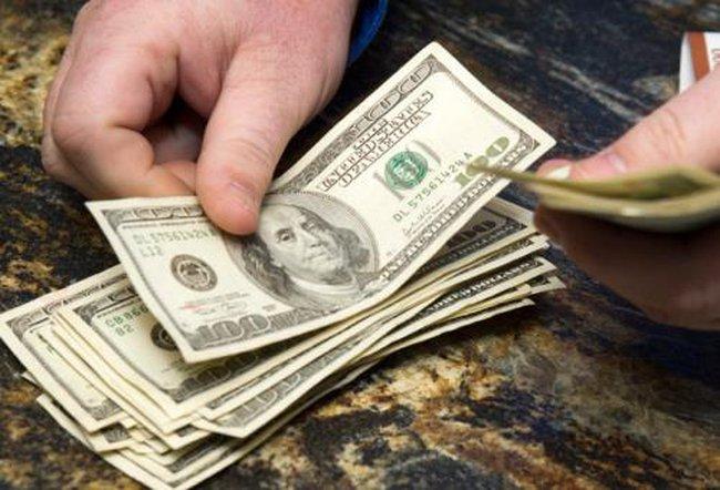 Giá USD về mức thấp nhất trong 1 tháng qua