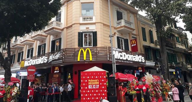 """Đại diện McDonald's Việt Nam: Chúng tôi muốn phát triển theo hướng """"hữu xạ tự nhiên hương"""", """"chậm mà chắc"""" chứ không mở ồ ạt"""