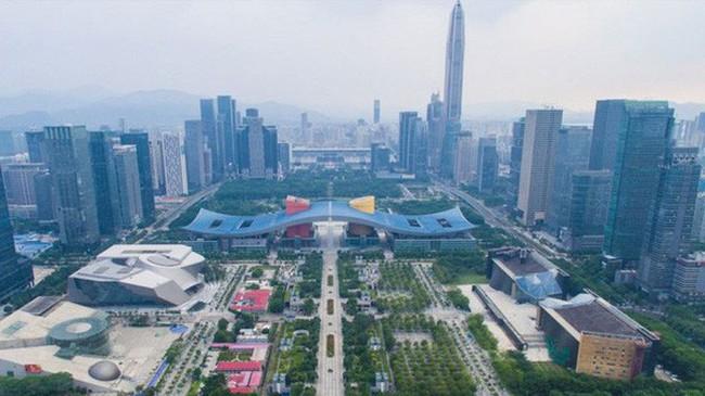 """Thẩm Quyến sắp """"qua mặt"""" Hồng Kông về GDP"""