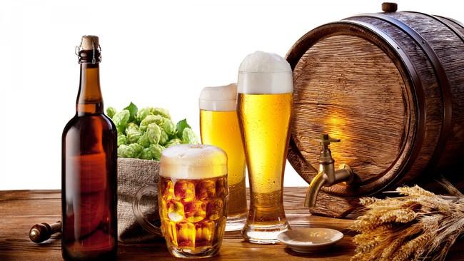 Đề xuất cấm bán rượu bia trong quán karaoke: Nếu khách mang vào và uống say xỉn thì sao?
