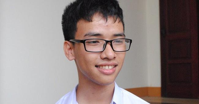 HS nghèo Quảng Trị từng bị Mỹ từ chối cấp visa đã giành giải 3 quốc tế, giải đặc biệt của Viện kỹ nghệ điện tử toàn cầu