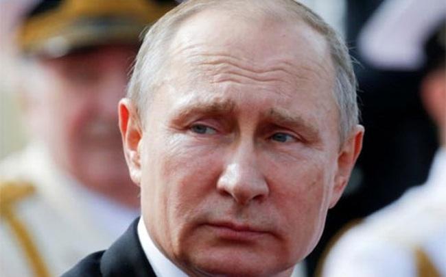 """Tổng thống Putin tuyên bố """"đuổi"""" 755 nhà ngoại giao Mỹ khỏi Nga"""