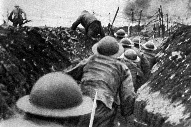 """NHTW Anh đã """"giả dối"""" để ngăn chặn thảm họa tài chính trong Thế chiến thứ nhất như thế nào?"""