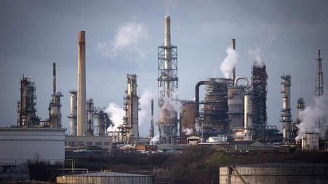 Giá dầu giảm trong phiên, nhưng chốt thành công tuần tăng
