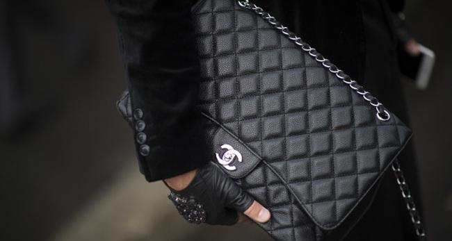 Diện đồ Hermes, đeo túi Chanel, xài nước hoa Givenchy mà đọc sai tên hàng hiệu thì chưa phải dân sành điệu đích thực!