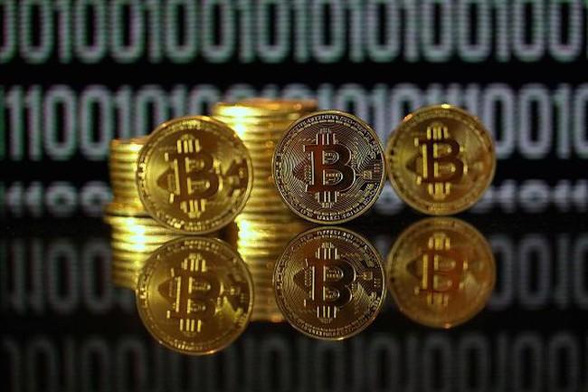 Phá mốc 2.500 USD, 1 Bitcoin giờ đắt gấp đôi 1 ounce vàng