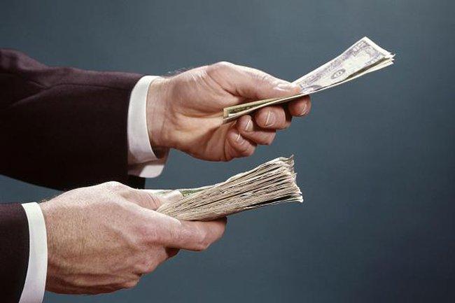 Bài học đắt giá mà người cha tỷ phú khuyên con nếu có ý định bỏ học đại học