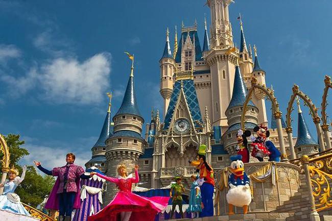 """Có gì bên trong lâu đài """"độc quyền"""" của nàng Lọ Lem Cinderella – nơi người có tiền cũng không thể ở lại?"""