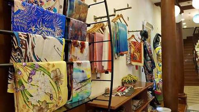 Từ chuyện Khải Silk nhập nhèm bán lụa Trung Quốc gắn mác Việt Nam, Chủ tịch Hiệp hội Dâu tằm tơ tiết lộ thực trạng buồn ngành tơ tằm