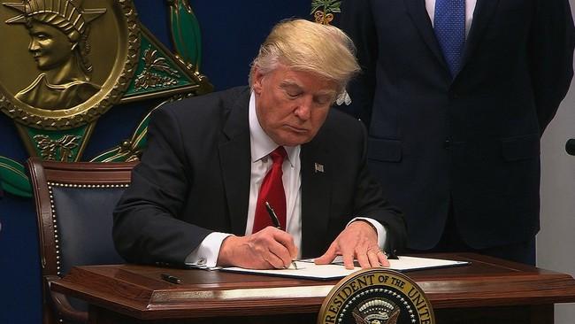 Bị tòa xử thua, ông Trump tuyên bố sẽ ban hành sắc lệnh nhập cư mới trong tuần sau