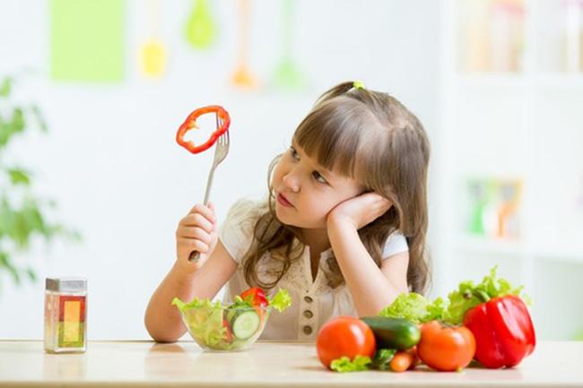 """Điểm mặt """"thủ phạm"""" khiến bạn ăn nhiều rau nhưng vẫn bị táo bón"""