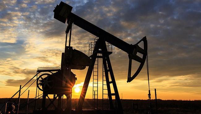 Nhà đầu tư chú ý: Giá dầu và cao su thiên nhiên đồng loạt bứt phá mạnh trong những ngày cuối năm