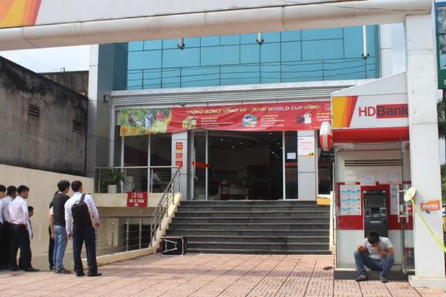 Video: Toàn cảnh vụ ôm mìn tự tạo vào cướp ngân hàng ở Đồng Nai