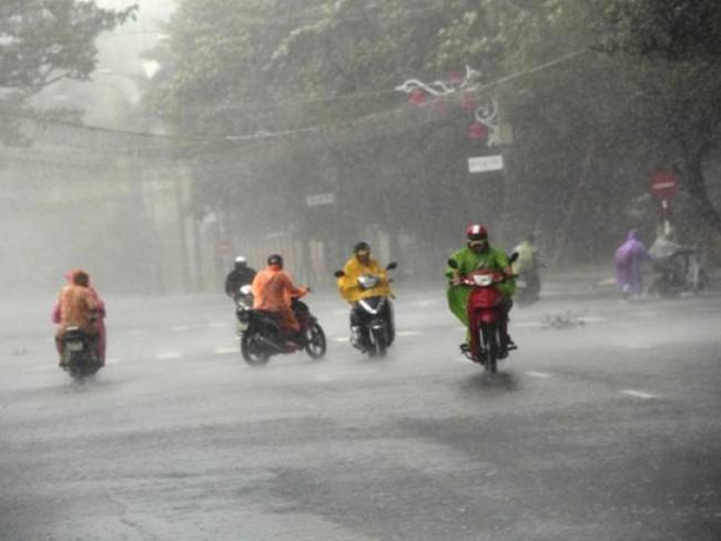 Áp thấp nhiệt đới giật cấp 9 đổ bộ Hà Tĩnh - Quảng Bình