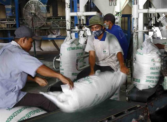 Xuất khẩu gạo: Tìm cơ hội trong khó khăn
