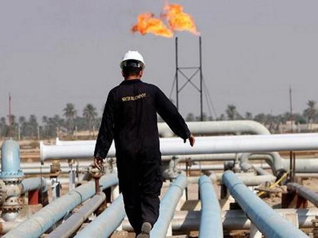 Sức tiêu thụ nhiên liệu của thị trường Mỹ chi phối giá dầu thế giới