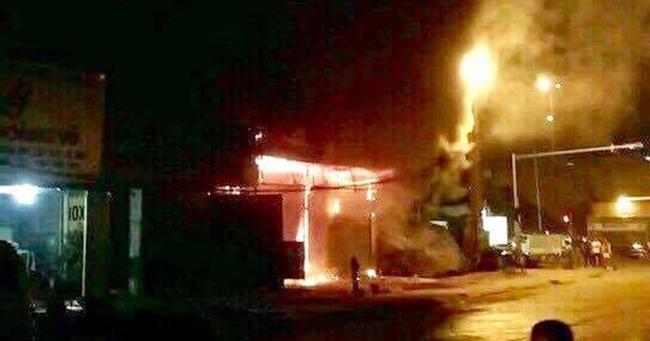 Hà Nội: Cháy lớn trên đường Tam Trinh, huy động hơn 30 chiến sĩ và 10 xe chữa cháy dập lửa