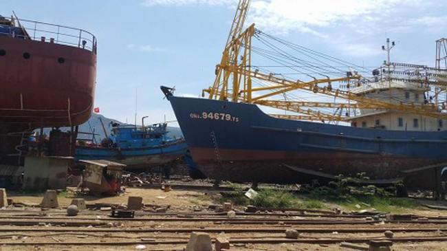 Tàu vỏ thép đóng mới ở Quảng Nam chưa bàn giao đã hỏng
