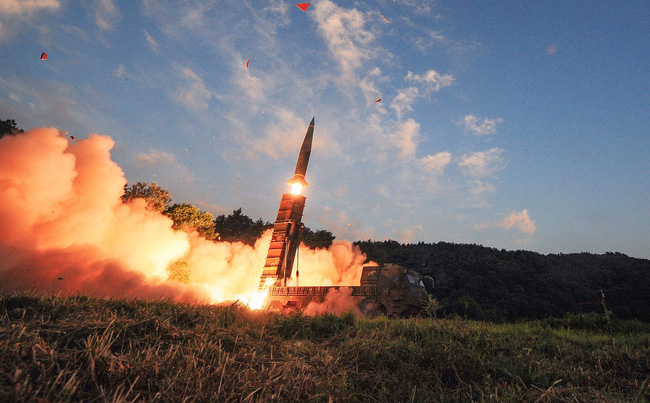 """Căng thẳng Triều Tiên """"phủ bóng đen"""" lên thị trường châu Á"""