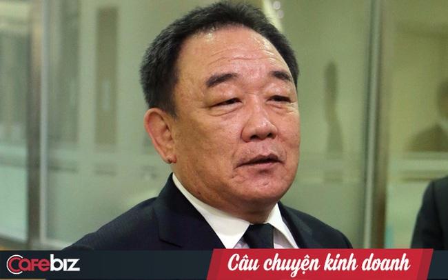 Ông trùm từng ngồi tù vì bê bối chính trị, rồi lại trở thành tỷ phú đôla nhờ sản xuất giày cho Nike ở Việt Nam