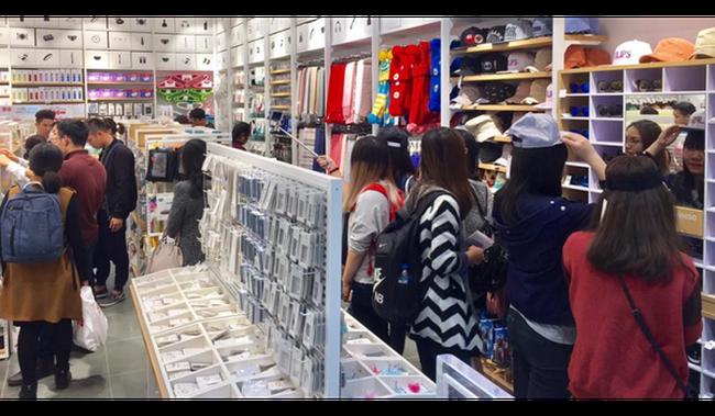 Giới sinh viên, văn phòng đang mang về doanh thu cả trăm triệu/ngày cho mỗi cửa hàng mỹ phẩm gia dụng như Miniso, Ilahui...