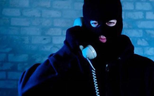 Mất hàng tỷ đồng chỉ vì cuộc điện thoại của công an rởm