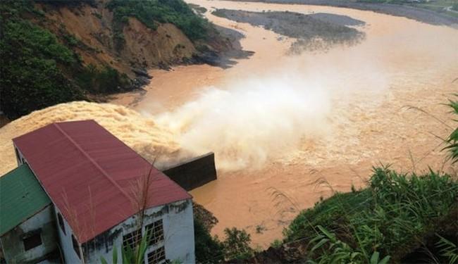 Thủ tướng chỉ đạo khẩn cấp ứng phó mưa lũ