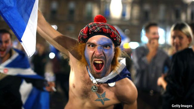 """Nước Anh lại """"dậy sóng"""", lần này là vì Scotland?"""