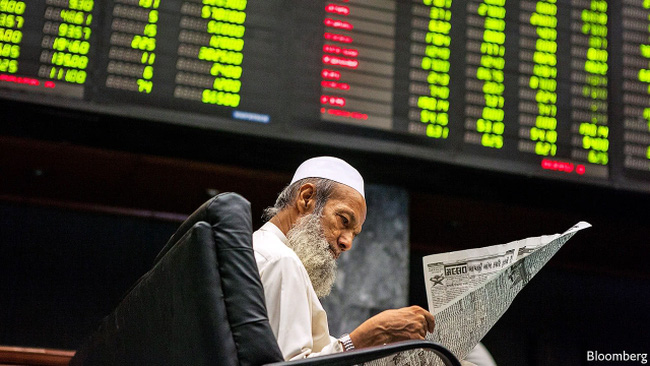 """Như chú phượng hoàng hồi sinh từ đống tro tàn, nền kinh tế này đã trở thành """"con cưng"""" của nhà đầu tư quốc tế"""