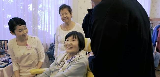 Người giàu ở Nhật đóng 200 triệu/tháng để sống trong viện dưỡng lão