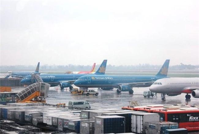 Dự báo bão Tembin rất mạnh, hàng loạt chuyến bay bị hủy