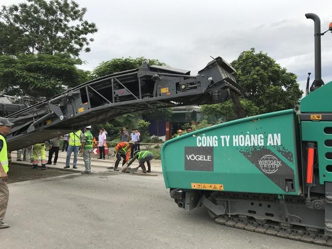 Chiêm ngưỡng dàn máy sửa đường 80 tỷ đồng, hiện đại nhất Việt Nam