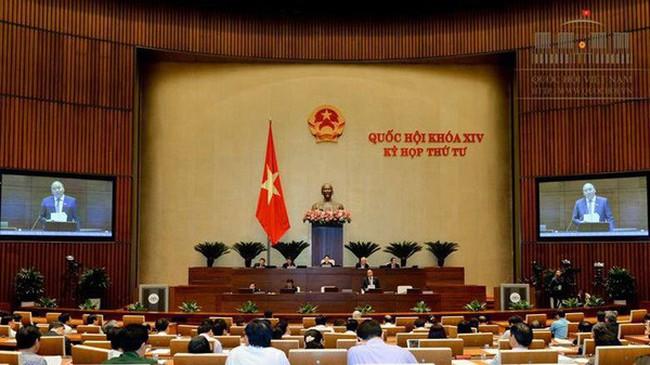 """Thủ tướng trả lời câu hỏi """"rất hóc búa"""" trước Quốc hội"""