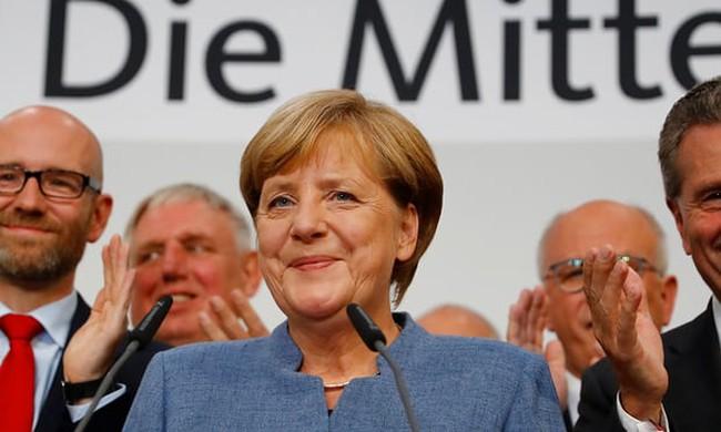 """Muôn vàn thách thức đón chờ """"người đàn bà thép"""" Angela Merkel"""