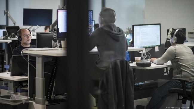 Thung lũng Silicon cắt giảm mạnh tuyển dụng lao động nhập cư