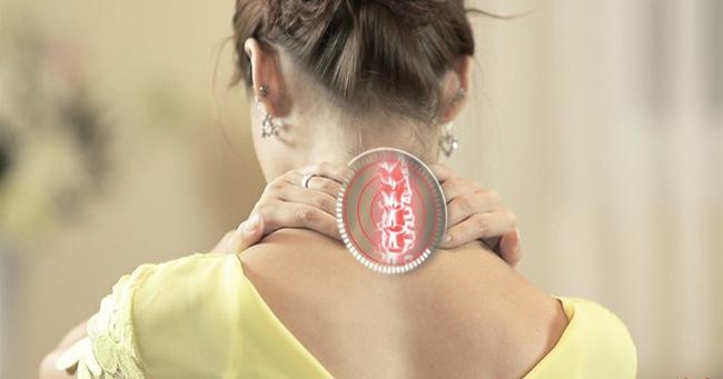 Cột sống cổ tổn thương là nguyên nhân gây nhiều bệnh: Đừng chủ quan khi chỉ đau mỏi vai gáy