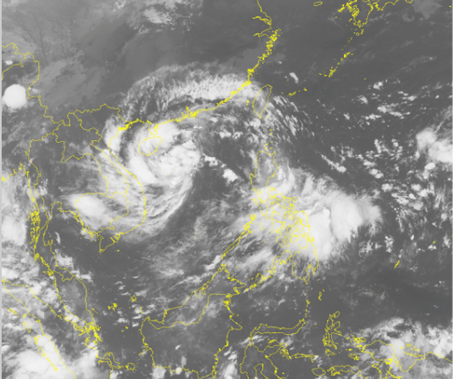 Chiều tối nay áp thấp nhiệt đới vào các tỉnh Quảng Bình - Đà Nẵng