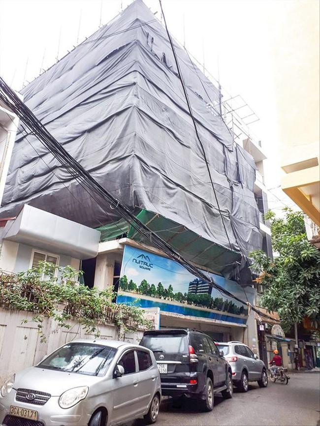 Loạn thị trường bán nhà trên giấy