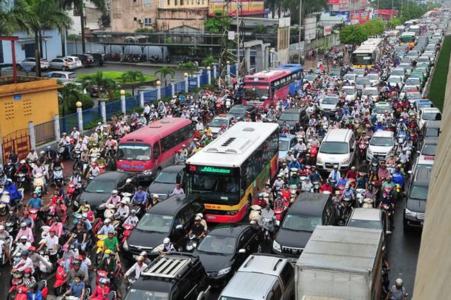 Lộ trình hạn chế xe cá nhân của Hà Nội